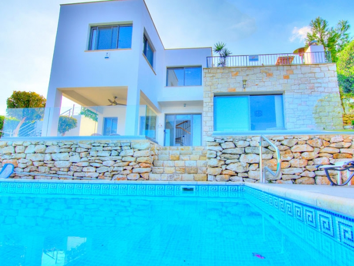 Villa / house Platanus to rent in Neo Chorio