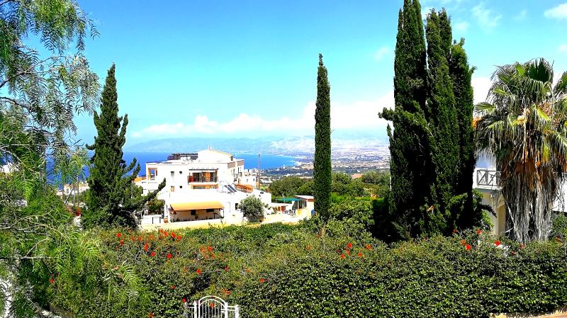 Villa / Maison Azur à louer à Neo Chorio