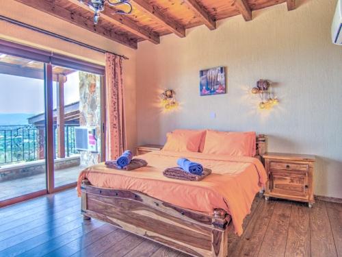 Villa / house cedrus to rent in neo chorio