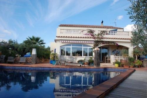 Reserve villa / house rita