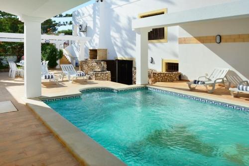 Villa / house BEMPO to rent in Alvor