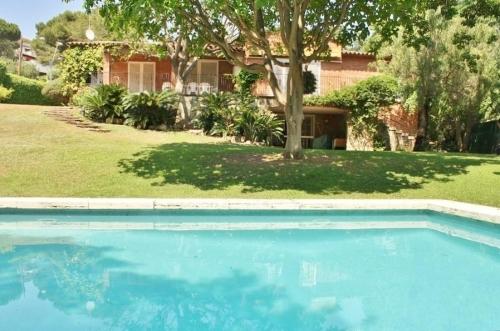 Villa / Maison Gema à louer à Premia de dalt