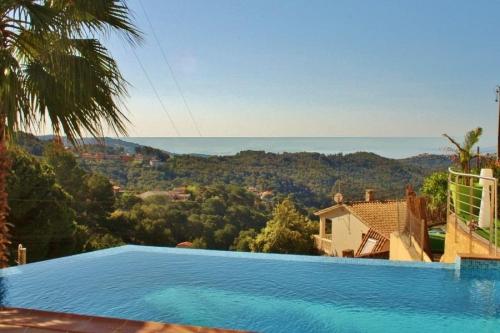 Villa / Maison Les Tilleuls à louer à  Sant Cebria de Vallalta