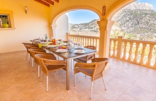 Property villa / house louis