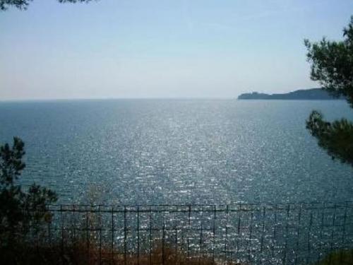 Location villa / maison la mer au bout du jardin