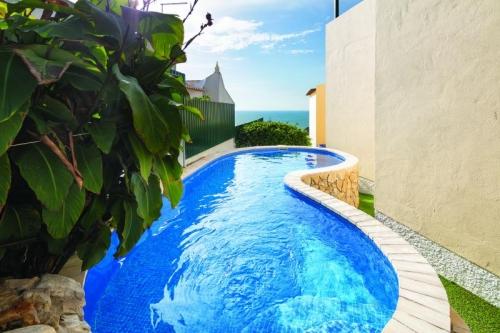 Reserve villa / house café del mar