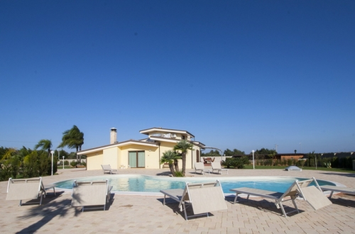 Villa / house Melissa to rent in proche  Gallipoli