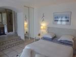 Réserver villa / maison grand piscine avec plage les alpilles