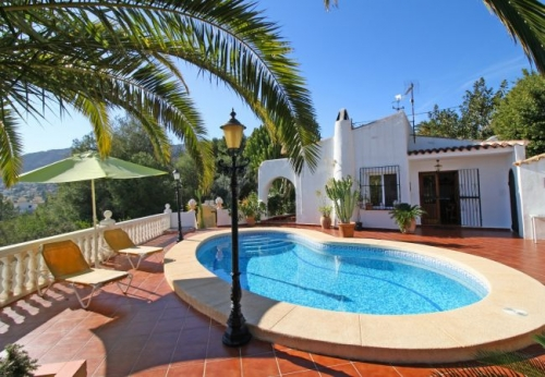 Villa / house Larios to rent in Calpe