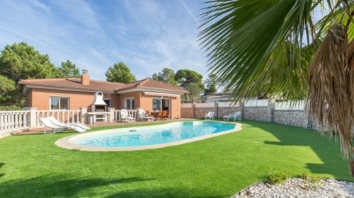 Villa / house marianne to rent in lloret de mar