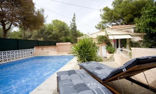 Reserve villa / house ines