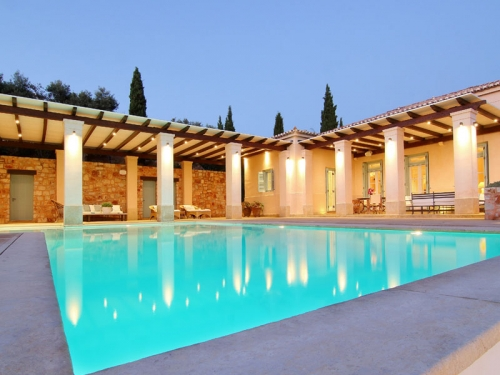 Villa / house phoenician to rent in porto heli