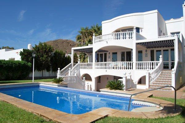 Location villa carboneras 8 personnes rbg32 for Villa de luxe a louer en espagne