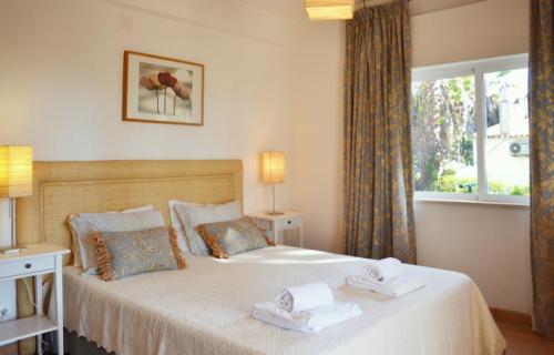 Reserve villa / house saralee