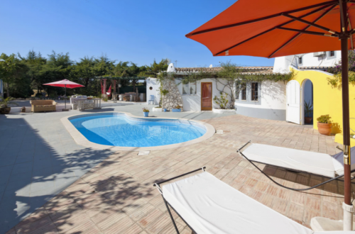 Villa / house Liesse to rent in Porches