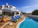 Property villa / house amarilla