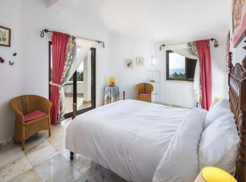 Villa / maison amarilla à louer à carvoeiro