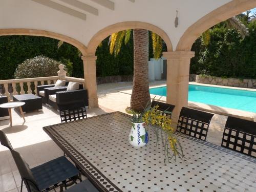 Property villa / house suerte