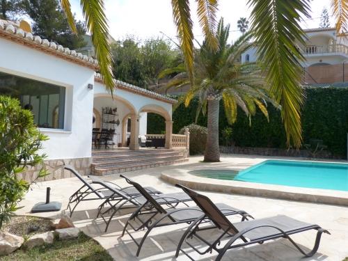 Reserve villa / house suertita
