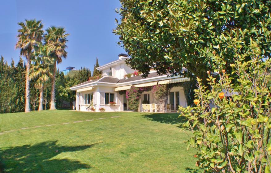 Reserve villa / house pol