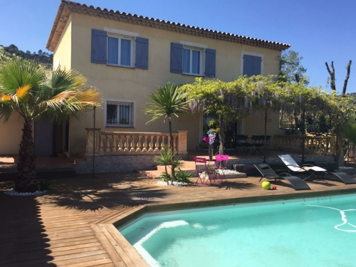 Villa / house La plaine des Maures  to rent in Le Luc en Provence