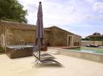Photo 4 : Grand avec piscine intérieure et extérieure