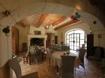 Reserve villa / house grand avec piscine intérieure et extérieure