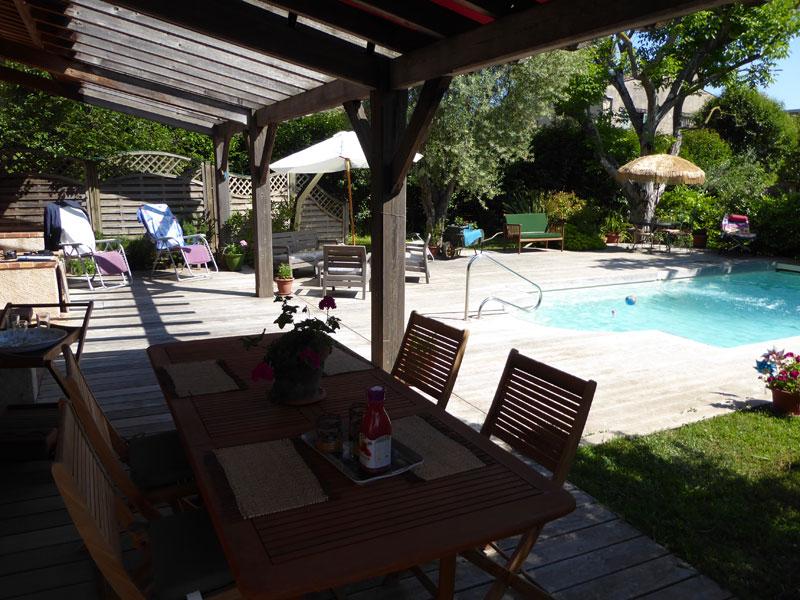 Location villa / maison a pied de biot village
