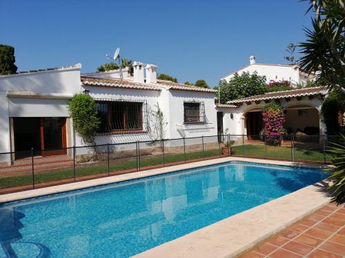 Villa / Maison Tosalia à louer à Javea