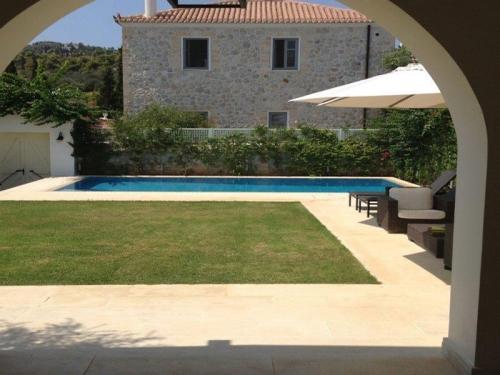 Reserve villa / house spetses vieux port