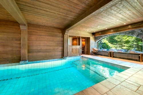Chalets Chalet piscine pour 12 to rent in Courchevel 1550