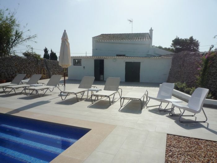 Villa / house Casa borrina  to rent in Llumesanes