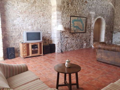 Villa / house le domaine to rent in mahon