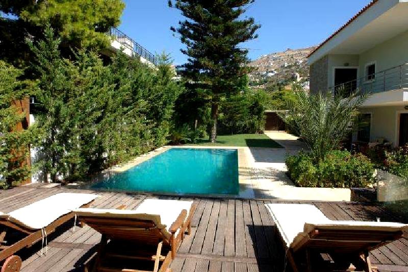 Villa / Maison Tortue à louer à Saronida