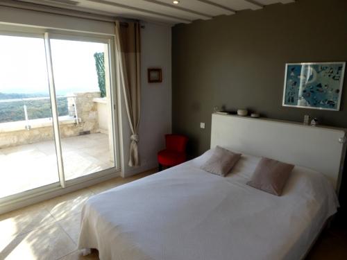 Villa / maison ouverte sur la mer à louer à tourrettes sur loup