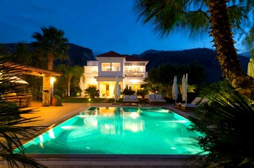Villa / maison calme mer et montagne   sisi
