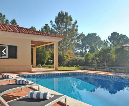 Property villa / house bould