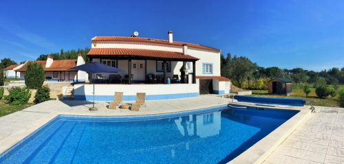Villa / house La santar to rent in Santarem