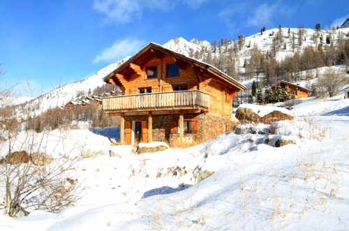 Chalets Isola chalet pour 6 dck to rent in Isola 2000
