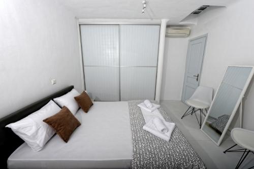 Villa / house harmony to rent in kalafati