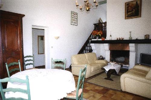 Reserve villa / house pour 6 à pied du centre du village