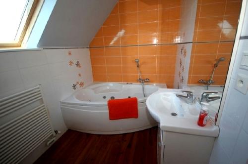Property villa / house la clarté