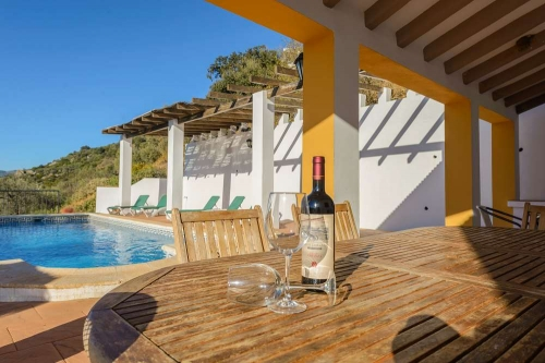Property villa / house villa jose 2