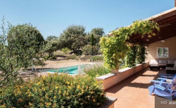 Villa / house La Mouline to rent in Fontaine-de-Vaucluse