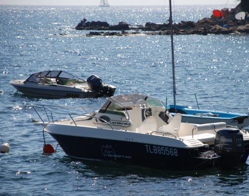 Villa / house pied dans l'eau avec bateau