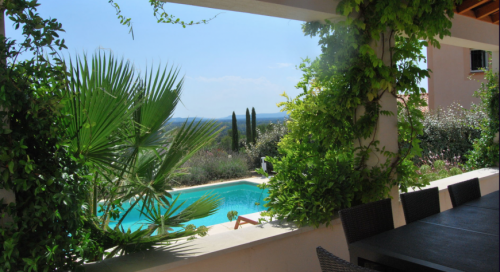 Villa / house la louve to rent in fontaine-de-vaucluse