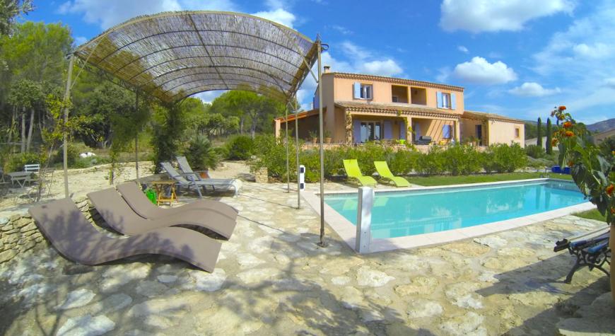 Villa / Maison SULA à louer à Fontaine-de-Vaucluse