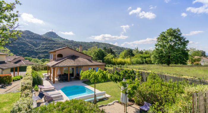 Villa / house LA PAGA to rent in Vallon pont d'arc