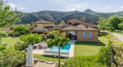 Reserve villa / house la paga
