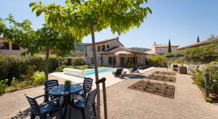 Villa / house LIZA to rent in Vallon pont d'arc